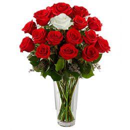Entrancing_Flower_Vase