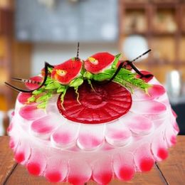 Strawberry_Flower_Cake